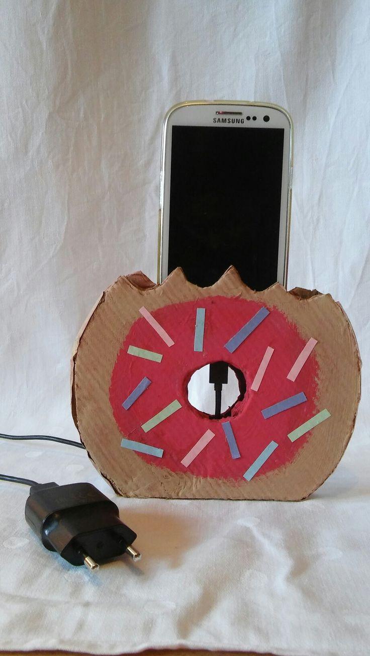 Eine super süße  Handy Aufladestation Typ: Donut