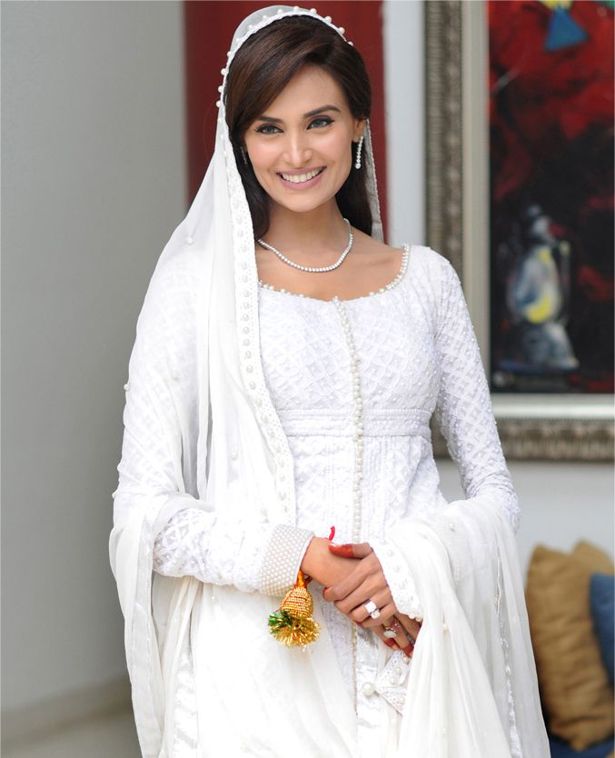 Mehreen Syed sparkling in white on her Nikah day. She wears a Chicken Kurta. White is Mehreen's favourite colour. #Mehreen Syed. #Mehdi. #White. #PerfectMuslimWedding