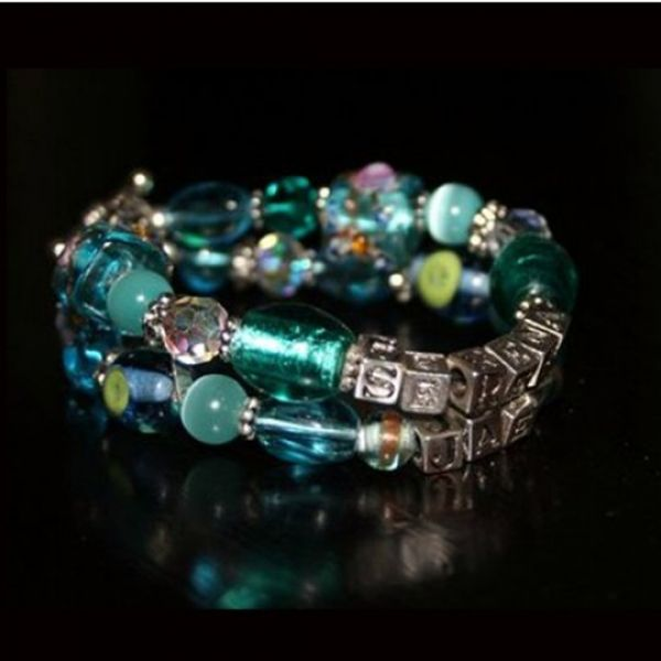 Double bracelets to add colour and elegance to any occasion! Ideal for Valentines gifts, Anniversary gifts, Mothers day. #lovebalela