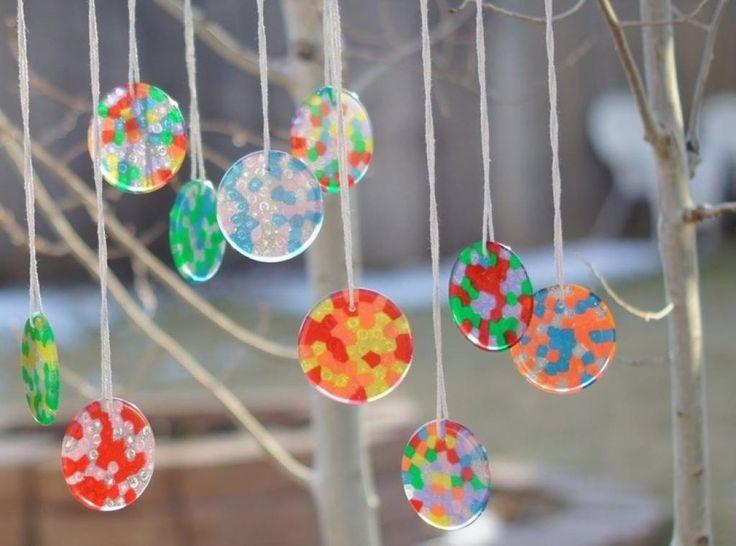 Quoi faire avec des perles de plastique?? De SUPER projets pour les enfants!