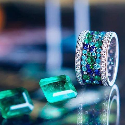 @_darvol_ mysterious and enchanting Paraiba and Emeralds complimented with Sapphires to create a lagoon illusion to dive into! #FancyABlue #GreenWithEnvy #ExceptionalEmerald #Sapphire #Paraiba #ParaibaTourmaline #DarVol #YourDailyDoseOfSparkle #ChampagneGem #ChampagneGem200KSpecialEdition