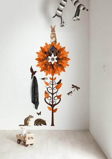 Kapstok muursticker bloem met dieren Forest Friends Flower 2 Oranje.