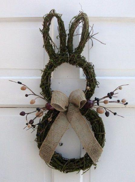 Easter Bunny Door Wreath, Rustic Easter craft ideas, DIY Easter craft ideas