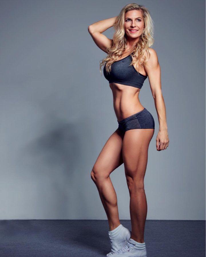 Ako vyzerajú raňajky úspešnej bikini fitness Denisy Lipovskej? Ovsená kaša sa stala jej neodmysliteľnou súčasťou každého rána. Inšpiruj sa jej receptmi!