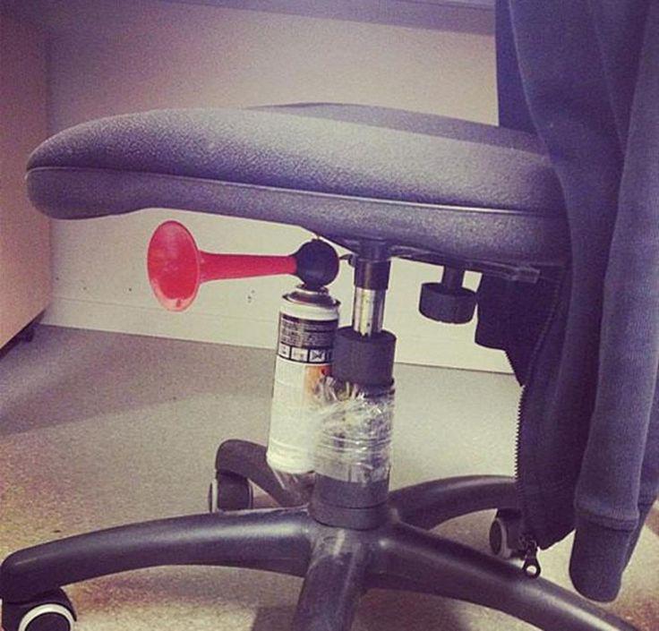 22 blagues de bâtard à faire absolument à tous vos collègues de bureau