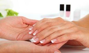 New Nail Distributor distribuisce prodotti professionali di marchi americani e londinesi per la cura delle unghie ed extension delle ciglia