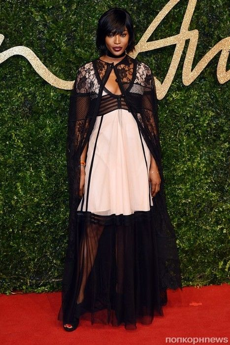 Фото: звезды на церемонии вручения наград British Fashion Awards- popcornnews