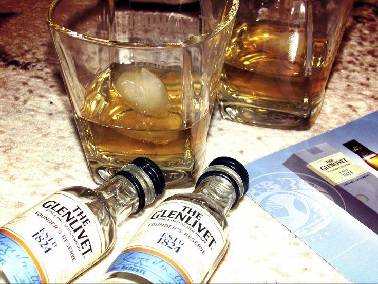 Wczorajsze, z sąsiadem, wspólne się delektowanie :) #TheGlenlivet #FoundersReserve #whisky https://www.facebook.com/photo.php?fbid=448095842057443&set=o.145945315936&type=3&theater