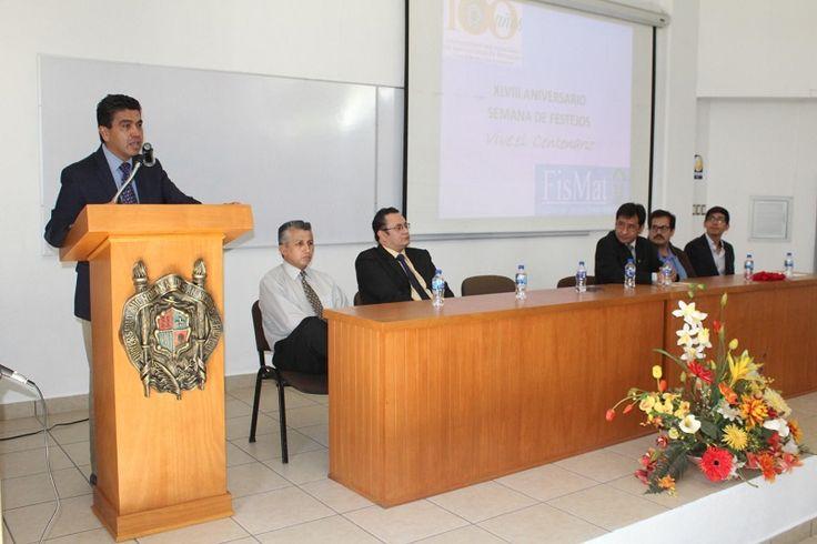 El secretario Auxiliar de la Universidad Michoacana invitó a los universitarios reunidos con motivo del XLVIII aniversario de la Facultad de Ciencias Físico-Matemáticas a recordar que desde su fundación como ...