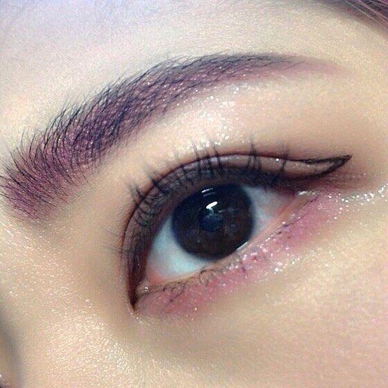 アイラインはやっぱ引かない方がいいかなあ(笑)眉脱色は二の次 #eyemakeup #eye #eyebrow #eyeshadow #eyelash #eyeline #eye #pink #make #makeup #눈 #아이브로우 #아이샤드 #아이라인 #핑크 #메이크 #메이크업
