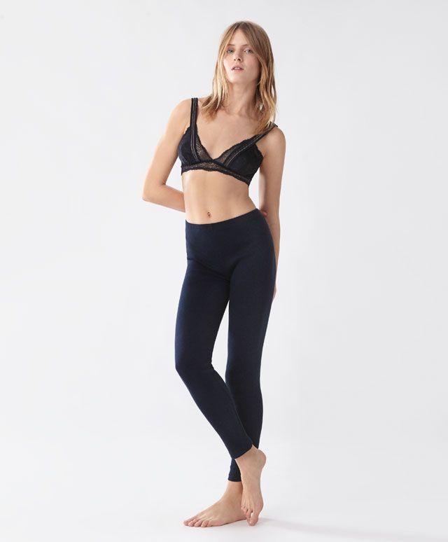 Leggings longs structure - Bas - Dernières tendances Automne Hiver 2016 en mode femme chez OYSHO online : lingerie, vêtements de sport, pyjamas, bain, maillots de bain, bodies, robe de chambre, accessoires et chaussures.