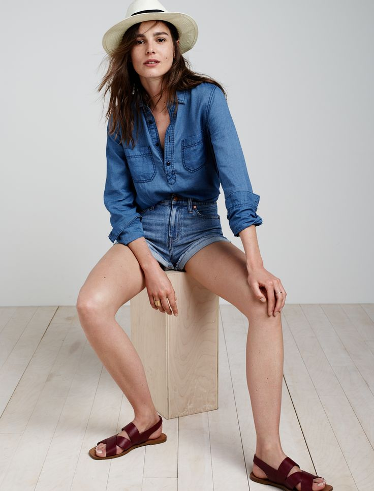madewell indigo popover worn with the madewell x biltmore® hat, high-rise boyshorts + leather elliot sandal.