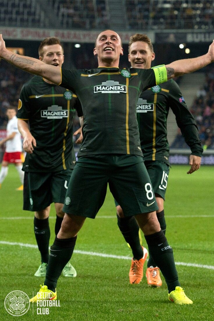 The Broony! Scott Brown's famous goal celebration. This time against Salzburg in the UEFA Europa League.