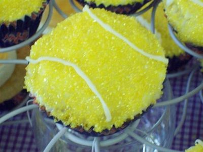 Lemon Tennis Ball Cupcakes. My brother's girlfriend would love these.