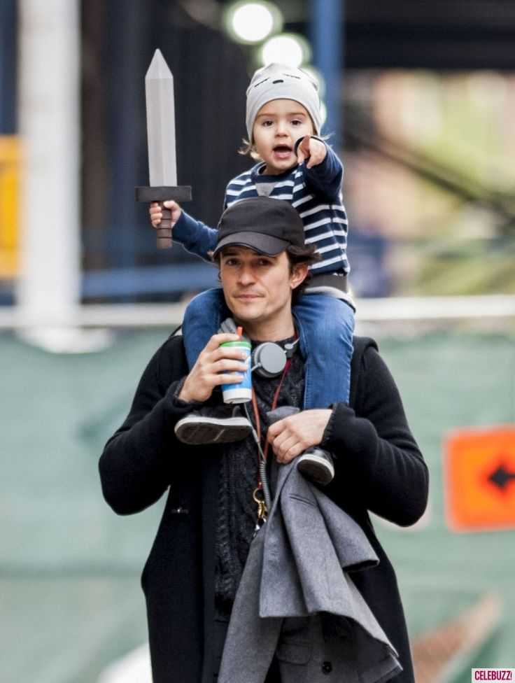 How cute are Orlando Bloom and his mini pirate??