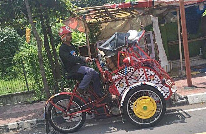 Ein Gastbeitrag aus Indonesien. Drehstuhl-Tuk-Tuk.