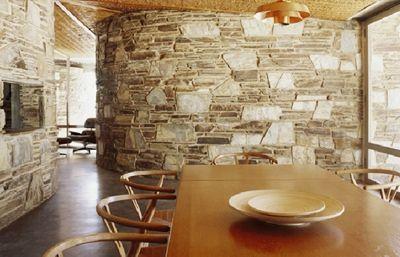 'Baker House', Robin Boyd (1964-66), Bacchus Marsh, Victoria.  Via 7litrefever.