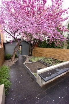 Creative solutions for small #backyards: http://www.granitehistory.org/small-backyard-ideas-design/ #gardening
