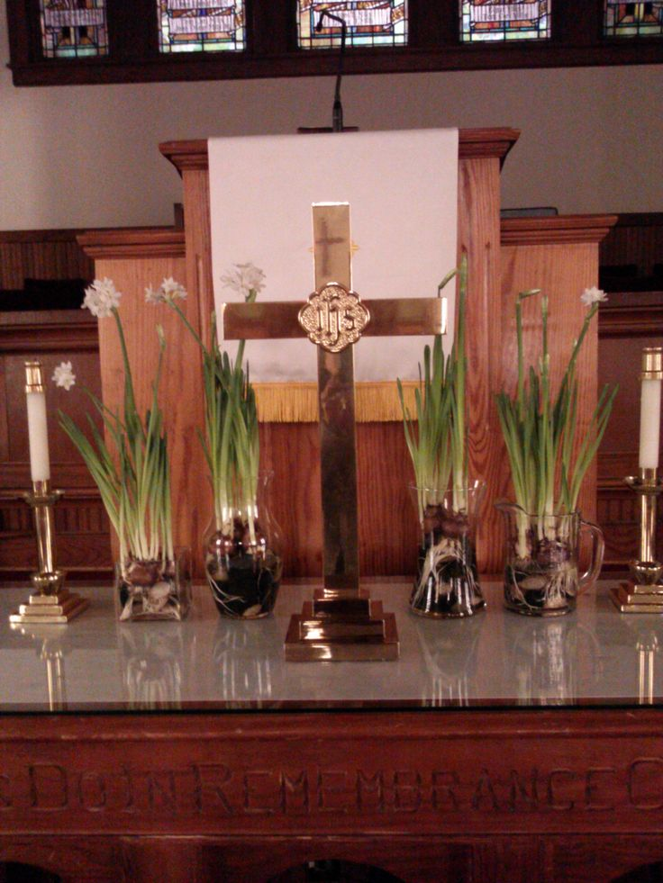 36 best images about visuals in worship mt carmel umc on for Lent decorations for home