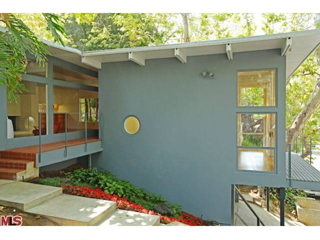 Mcm hollywood home drool worthy houses pinterest for Mid century modern house colors