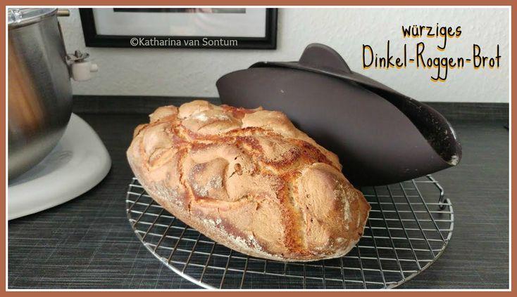 würziges Dinkel-Roggen-Brot, Brotklee, Schabzigerklee, Zigeunerkraut, südtiroler Brot, Südtiroler Roggen-Dinkelbrot, Dinkelbrot, gewürztes Brot