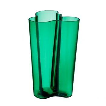 Aalto vase in emerald by Iittala. Size 251 mm.