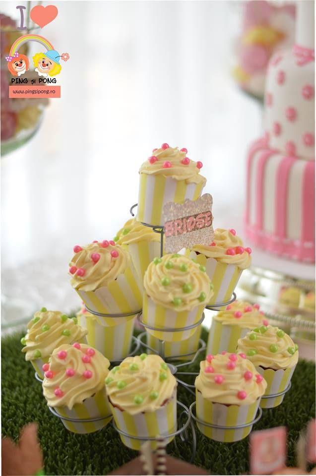 suport-cup-cake-etichete-colt-dulce