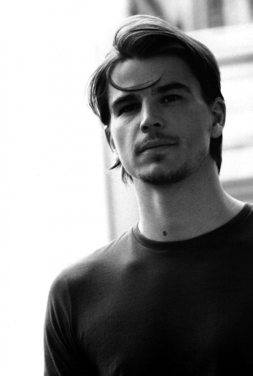 Josh Hartnett, i forgot how cute you were