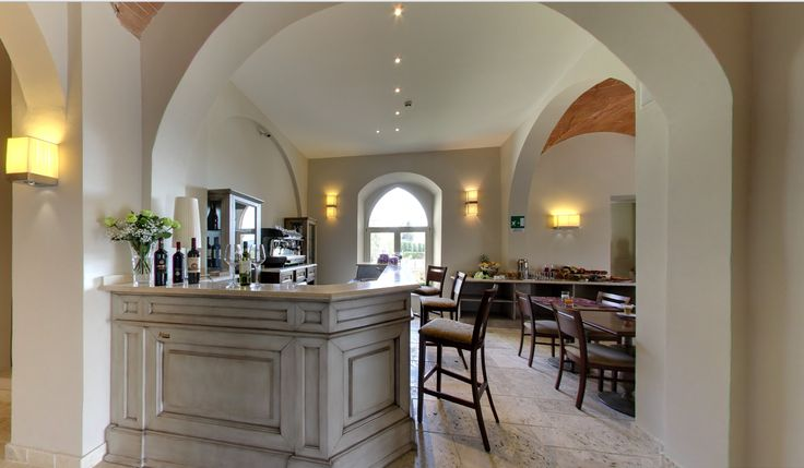 Fancy a glass of wine? Enjoy delicious local Tuscan wine at Hotel Certaldo, Tuscany! #tuscany #tuscanwine #certaldo #hotel #hotelcertaldo www.hotelcertaldo.it