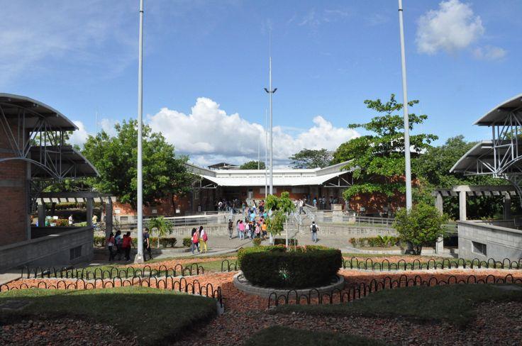 Seccional Bajo Cauca, con la cual estuvimos muy conectados, debido a nuestro programa académico ofrecido simultáneamente. Un abrazo para ellos!