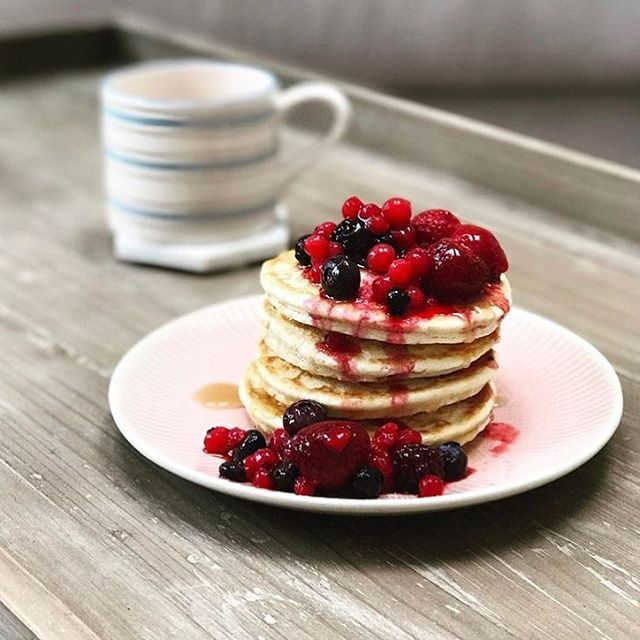 Brekkie goals! Thanks for sharing this snap of your 'berry' tasty pancake stack on our Tray Bon coffee table!