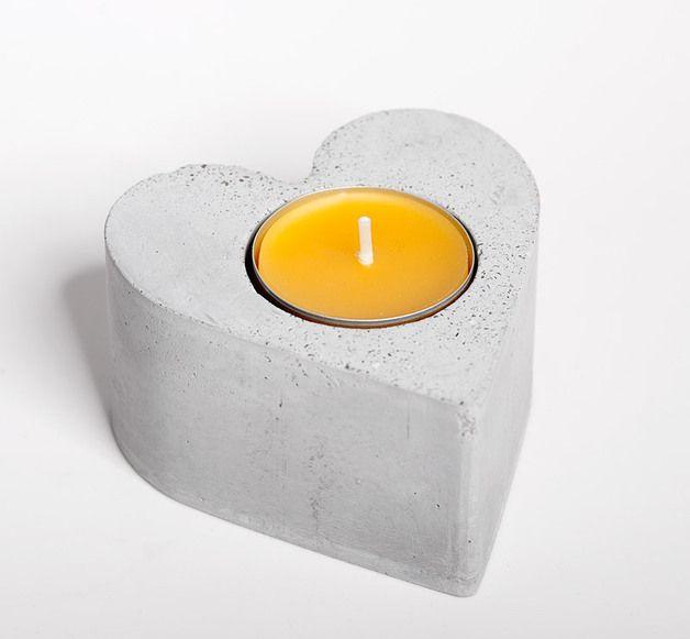 Dekoration - Beton Kerzenständer Herz- Valentinstag - ein Designerstück von D-Kraehmer bei DaWanda