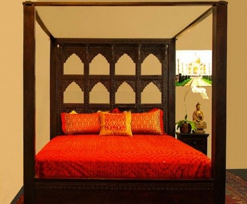 Inspired by the palatial arches of Gujerat the Devi Canopy Bed has a carved multi arch headboard smooth rosewood pillars and connecting top beams from ... & 10 best Hand Carved Canopy Beds images on Pinterest | Bed canopies ...