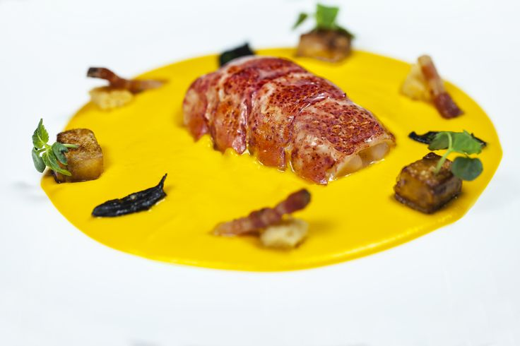 Leo Trippi love Courchevel for its 'Foodie' offerings, today we are with head chef Bilal Amran of Le 1850 restaurant! Read our full interview on Leo's Luxury Travel Blog on the Leo Trippi website. #foodiefriday