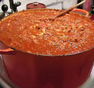 Et bien voila ma sauce a spaghetti qui ma pris des batch et des batch avant de trouver LE goût piquant que je recherchais. Cette recette d...