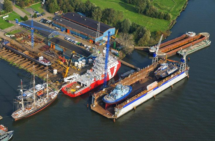 Damen Fits Out VOS Stone   Offshore Wind
