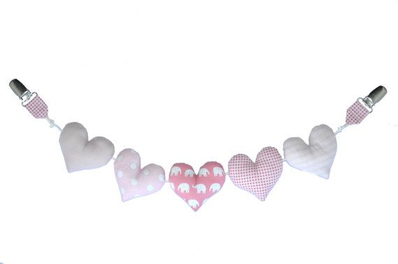 Pram chain with hearts, easy to clip on