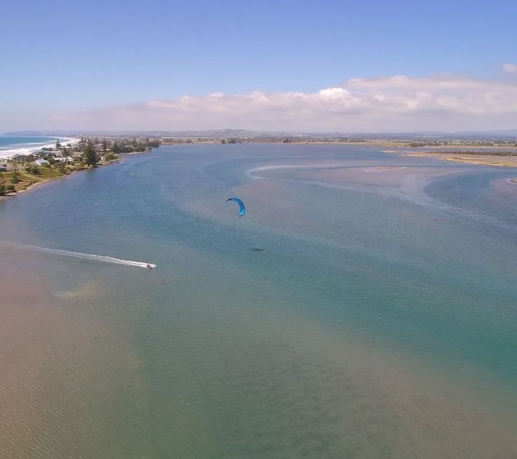 Looking for a kite for those light wind days.  The Helium is the perfect kite to extend your time on the water.   #kitesurfing #kiteboarding #kitesurf #lightwind #lightwindkite