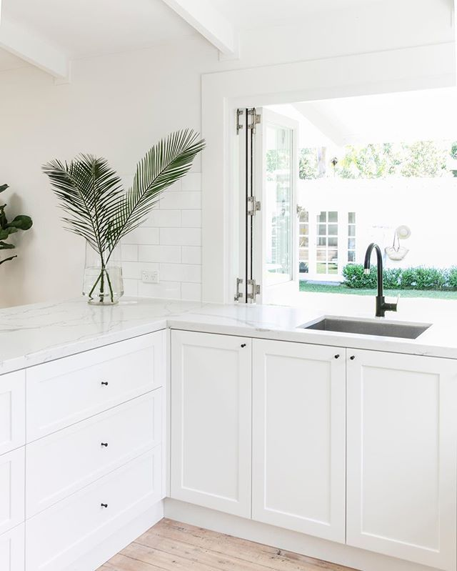 My happy place #pearlbeachshackreno I love white shaker cabinets and stone bench tops, because when I get bored ( and it will…