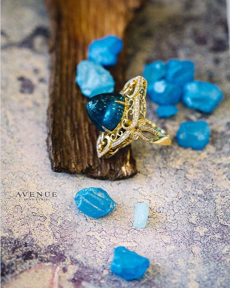 Если Вы хотите сделать незабываемый подарок своей второй половинке то преподнесите ей это волшебное кольцо с турмалином и бриллиантами от #Bochic! #jewellery #ring #diamond #tourmaline #beauty #women #avenuevsco #vscogood #vscobaku #vscocam #vscobaku #vscoazerbaijan #instadaily #bakupeople #bakulife #instabaku #instaaz #azeripeople #aztagram #Baku #Azerbaijan