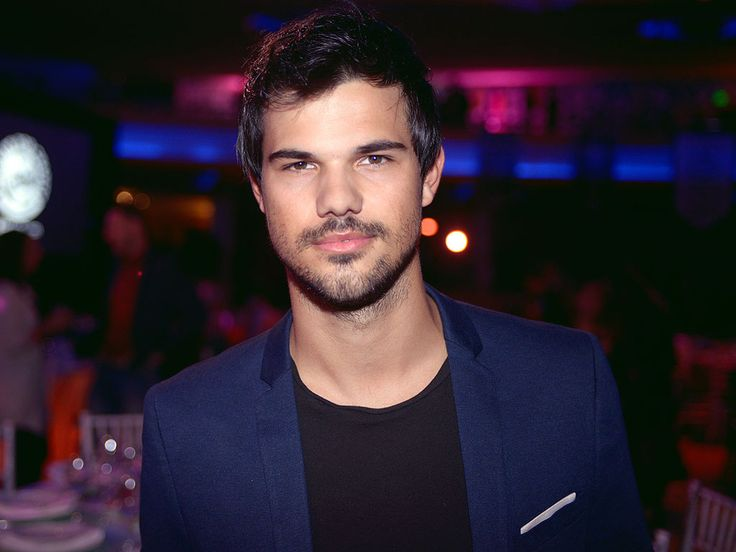 Taylor Lautner Is Afraid of What? http://www.people.com/article/what-does-taylor-lautner-fear