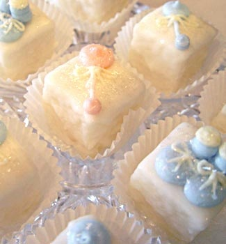 Cute vintage style cupcakes