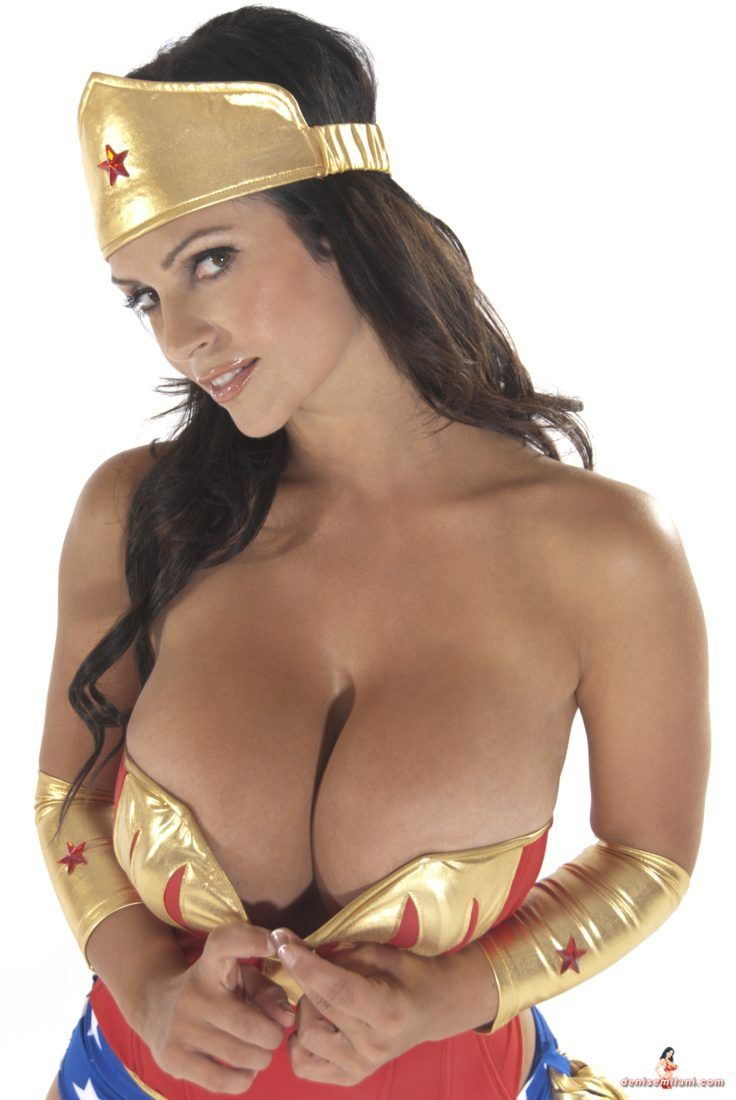 da6db1185f3a0872723ddd5492572dd7--wonder-woman-cosplay-milani.jpg