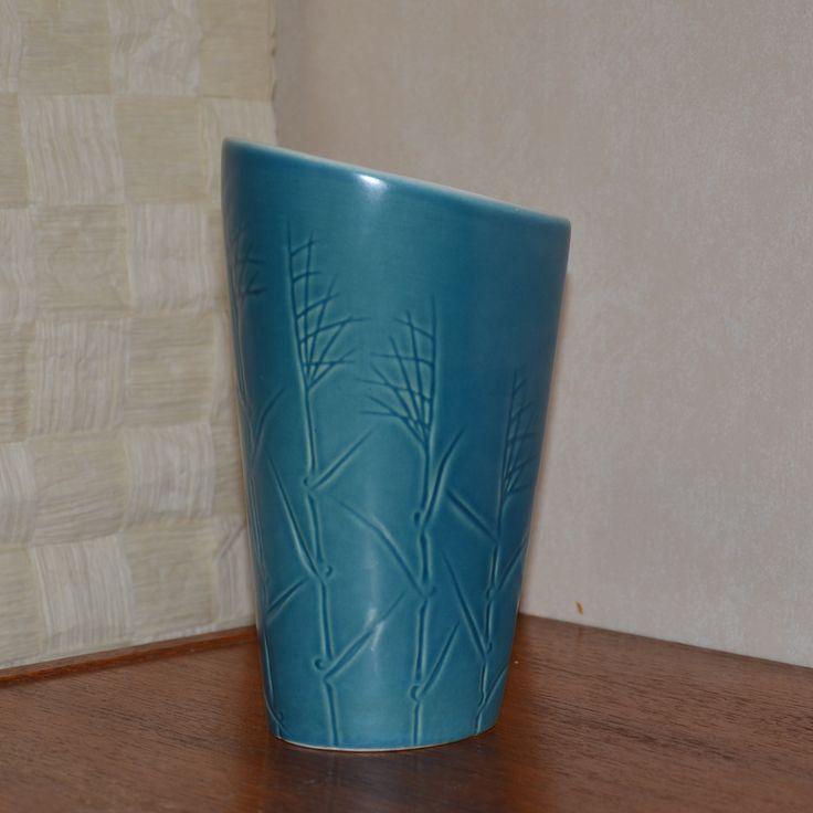Bo Fajans, Barkbacken i Gröneberg Gävle, Sweden Vase - European - Scandinavian - Pottery - ceramics - mid centery