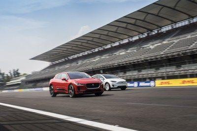 Der Jaguar I-PACE prescht im elektroauto-rennen voran              GRAZ Österreich March 1 2018 /PRNewswire/                                                                              Jaguar I-PACE Charges Ahead in EV Race (PRNewsfoto/Jaguar Land Rover)                                           Jaguar enthüllt den komplett elektrischen I-PACE mit einer globalen Live-Übertragung im Vorfeld des Genfer Auto-Salons am 6. März  Das Publikum erlebt live mit wie der I-PACE in einer der modernsten…
