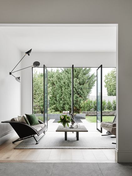 Pivot doors to the garden - Toorak 2 House Australia by Robson Rak Architects