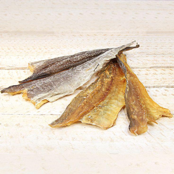 Hundesnack Dorschfilet Stücke mit Haut Richtig leckere, ganz frische Kaustücke vom Nordsee-Dorsch. Proteinreich, mit natürlichem Fischöl, sauber filetiert und ohne jegliche Zusätze. Lediglich schonend getrocknet.  #hundefutter #filet #futter #xmas #weihnachten #nahrung #dorsch #nordsee #fisch