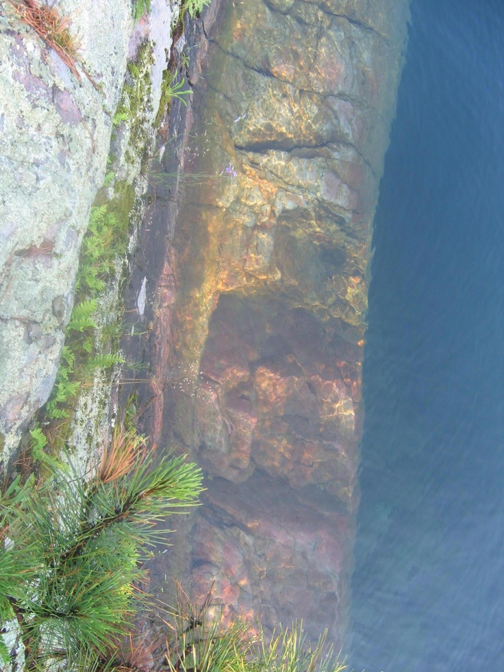 Rocks through the water, Lake George