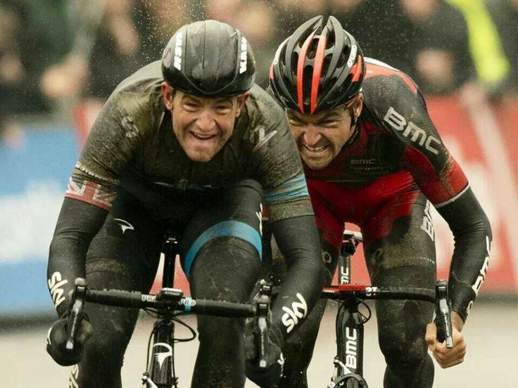 Ian Stannard beating Greg Avermaet in the sprint in Omloop Het Nieuwsblad 2014