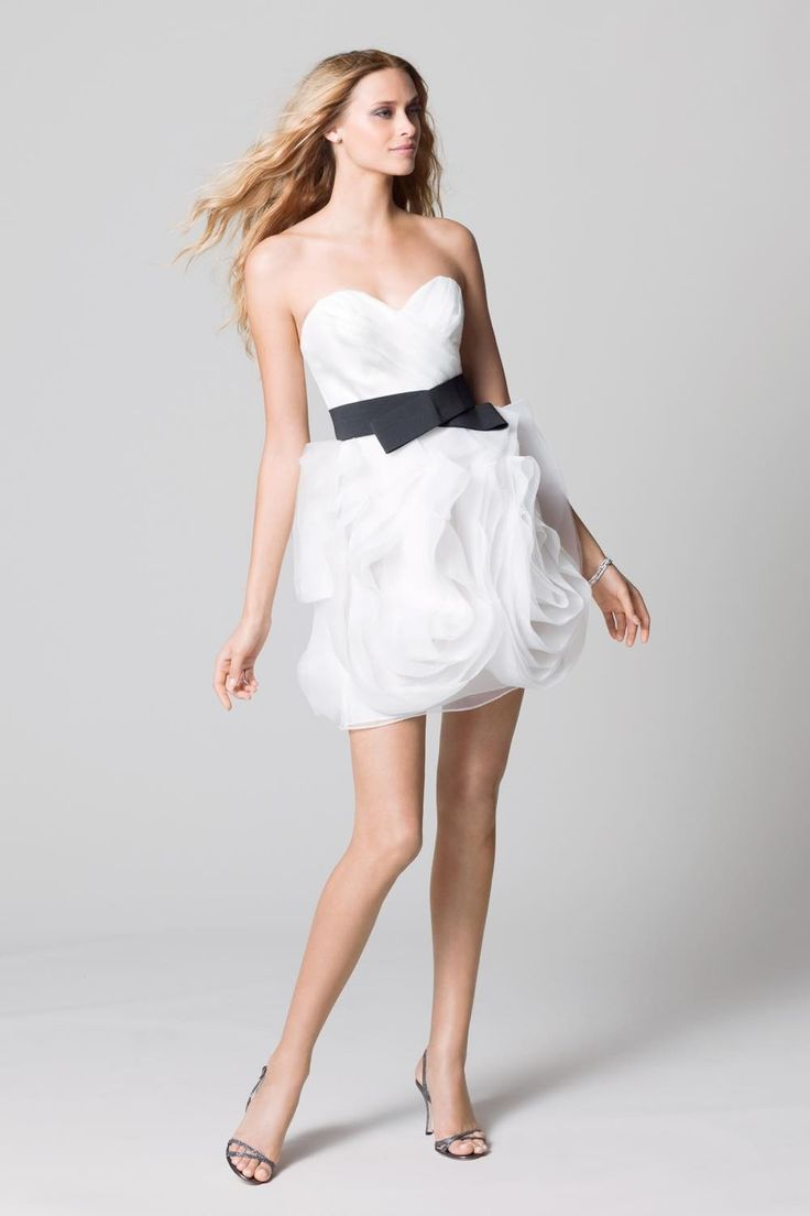 ブライズメイド 結婚式 ドレス セール ミニドレス 302 Sale, Instock Bridesmaid Dresses. Ivory, Beige Multi Color Floor Length & Knee Length Satin Dress. #ブライズメイドドレス #ブライズメイド 合計金額 ¥20,000-(税抜)以上で送料無料即日納品 セール商品の返品受付サービス・お直しについて  スカートが大ぶりのコサージュの様なイメージの、クリスタルオーガンジー膝丈ドレス 太め幅のブラックのベルトが目を引きます 動きやすいカジュアルなデザインで1.5次会や二次会用のミニウエディングドレスとしてもオススメです 定価28,400円の50%オフにて限定販売です  販売ドレスカラー: アイボリー(画像色)サイズ0 ドレス実寸サイズ-バスト84cm/ウエスト63cm/ヒップ90cm/着丈(脇から裾まで)70cm  【セールドレス色別タグ】 #アイボリー・ベージュ系  #赤・ピンク系  #ブルー・パープル・グリーン系  #イエロー・コーラル